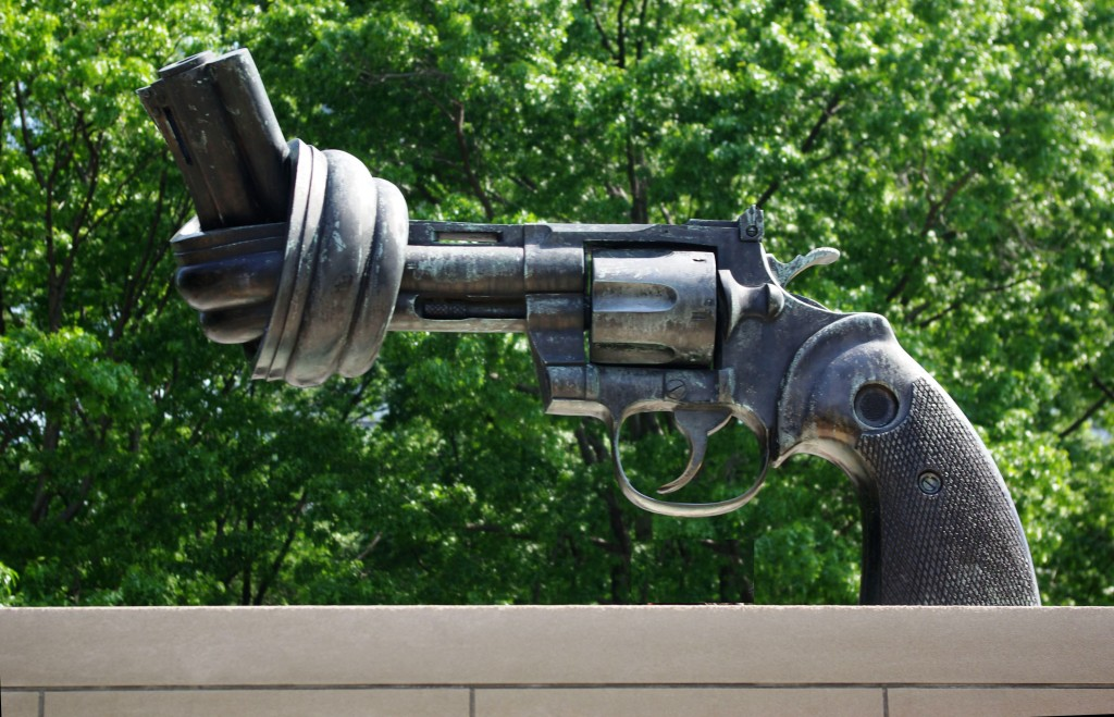 tragedies caused by gun ownership and the relationship between gun control and gun violence When the gun control act of 1968  summarizing recent findings that weak gun laws and high rates of gun ownership lead to more gun deaths, the violence policy.